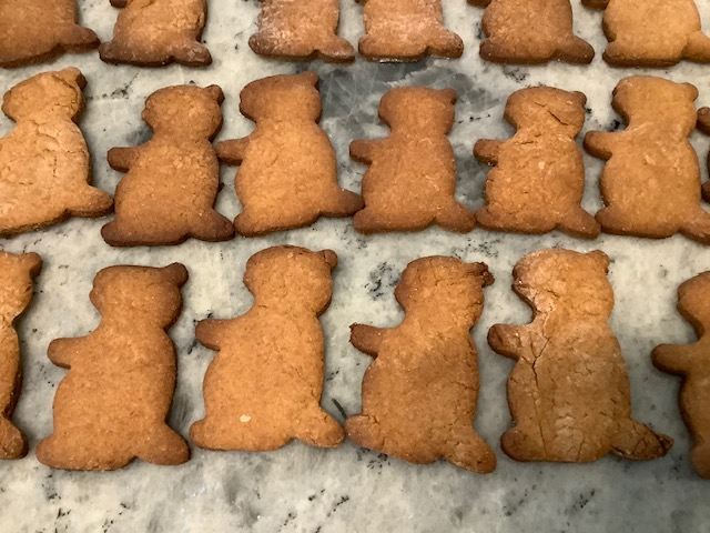 Peanut Butter Doggie Treats from the Bill Mae Cottage